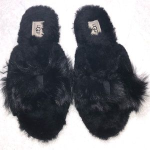 UGG Shoes - Brand NWOT Uggs slippers with bows on top
